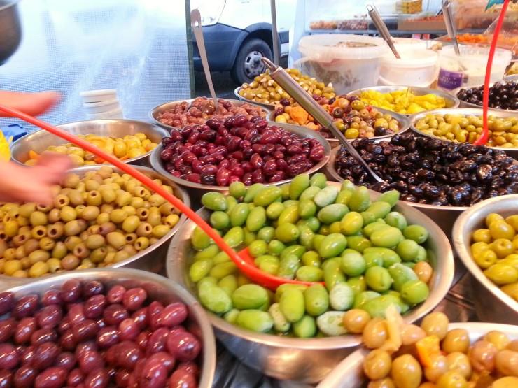 President Wilson Market - Olives, please!